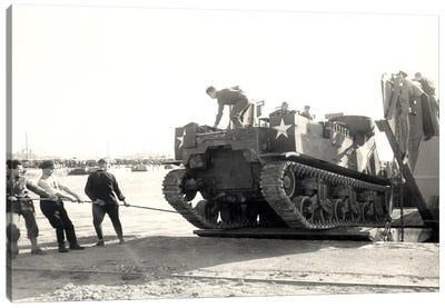 US Army M7 Howitzer Motor Carrier Being Unloaded In Algiers Canvas Art Print