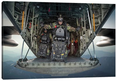 US Navy Seals Combat Diver Prepares For Halo Jump Operations From A C-130 Hercules Canvas Art Print