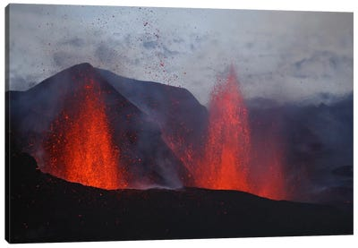 Fimmvörduháls Eruption, Lava Fountains, Eyjafjallajökull, Iceland I Canvas Art Print