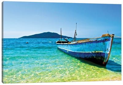 A Lone Boat On The Shore Of Cayos Cochinos, Honduras Canvas Art Print