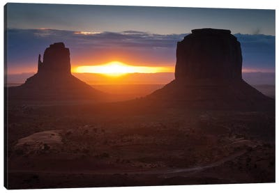 The Famous Mitten Formations In Monument Valley, Utah Canvas Art Print