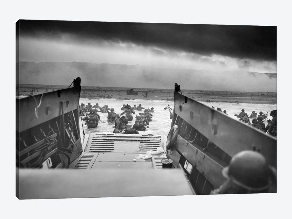 WWII Photo Of American Troops Approaching Omaha Beach by John Parrot 1-piece Canvas Artwork
