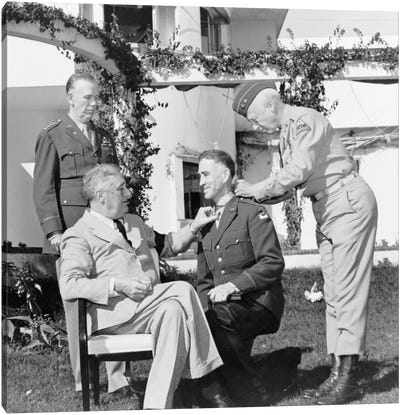 WWII Photo Of President Franklin Roosevelt Presenting The Medal Of Honor Canvas Art Print
