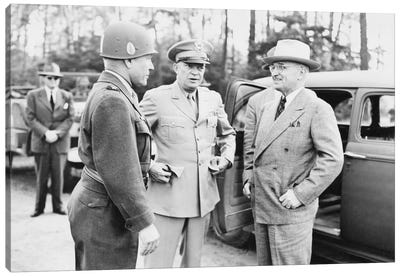 WWII Photo Of President Harry Truman Talking To Generals Eisenhower And Hickey Canvas Art Print