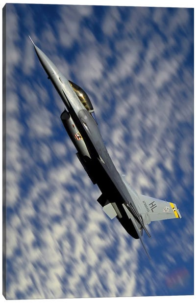F-16 Fighting Falcon Flying Over Fallon, Nevada Canvas Art Print