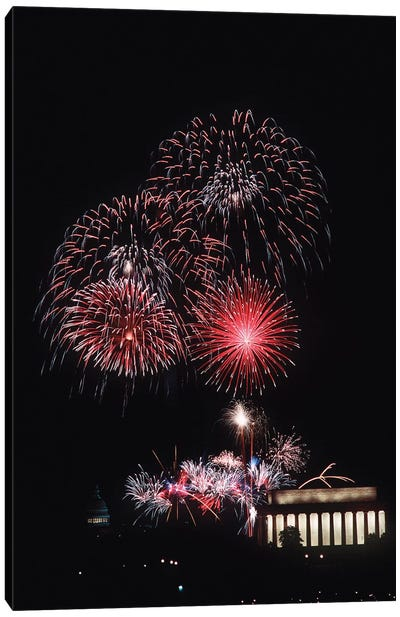 Fireworks Light Up The Night Sky Above The Lincoln Memorial Canvas Art Print