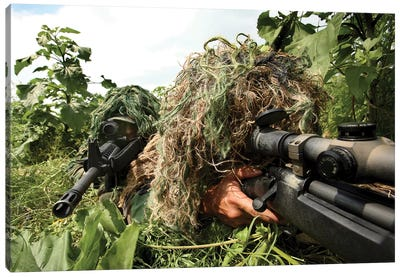 Soldiers Dressed In Ghillie Suits Canvas Art Print
