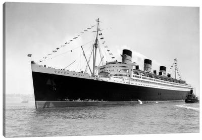 1936 Maiden Voyage Of Queen Mary Dwarfing Small Tugboat Moving Alongside It Canvas Art Print
