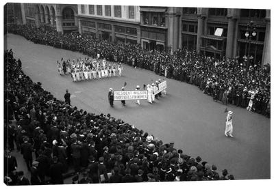 1910s Overhead View Of A Large Crowd Watching People Marching In A Suffrage Parade Circa 1914 Canvas Art Print