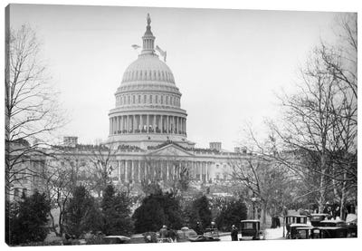1910s-1920s Capitol Building Washington, D.C. Line Of Cars Parked On Street In Foreground Canvas Art Print