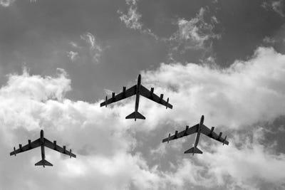 Boeing B-52 Stratofortress Bomber Canvas Print Framed 5Pcs Wall Art Poster Decor