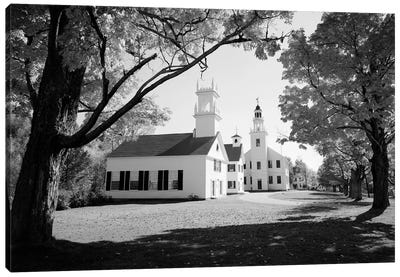 1960s Church And Local Buildings In The Town Square Of Washington New Hampshire USA Canvas Art Print