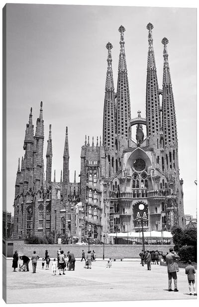 1950s The Great Unfinished Gothic Modernisme Cathedral Of The Sagrada Familia By Architect Antoni Gaudi Barcelona Spain Canvas Art Print