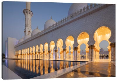 UAE, Abu Dhabi. Sheikh Zayed bin Sultan Mosque II Canvas Art Print