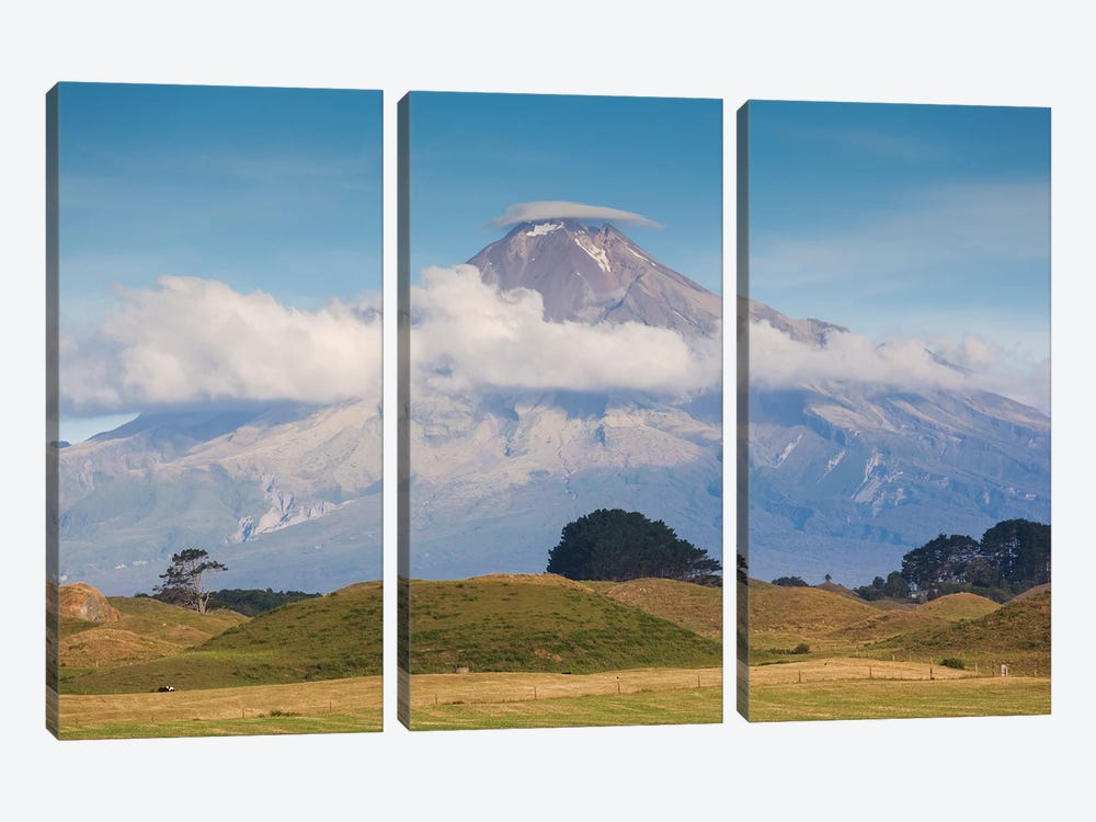 New Zealand, North Island, Pungarehu. Mt. Taranaki 3-piece Art Print