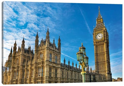 Big Ben, Parliament, and Lamp Post, Westminster, London, England. Canvas Art Print